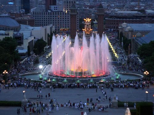 35 прекрасных и необычных фонтанов со всего мира