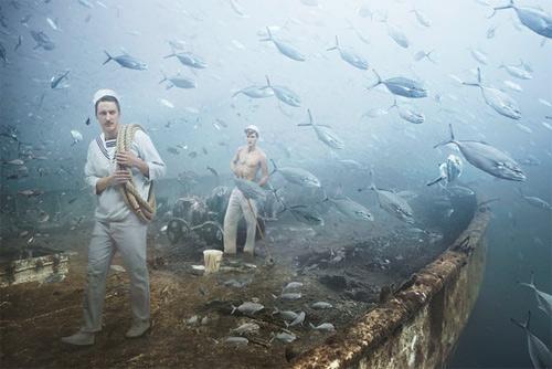 Подводные художества на затопленном судне времён Второй Мировой