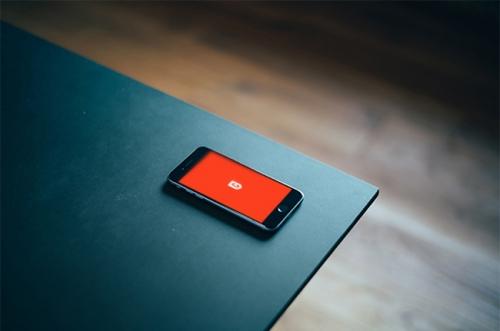 Бесплатные фотореалистичные макеты iPhone 6